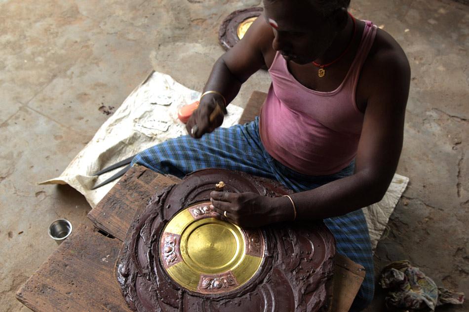 Thanjavur plate Artisan
