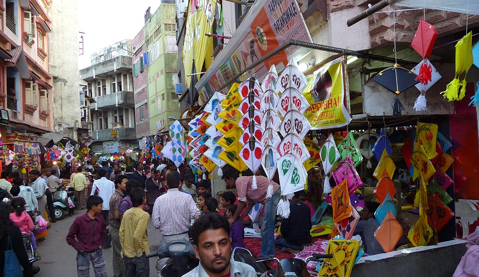 Markets brimming with kites