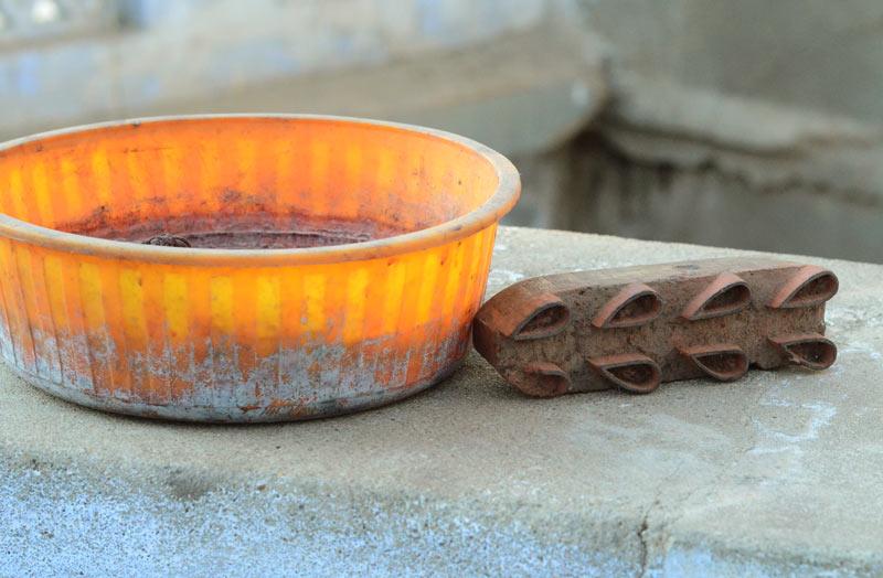 Kutch bandhani craft tools