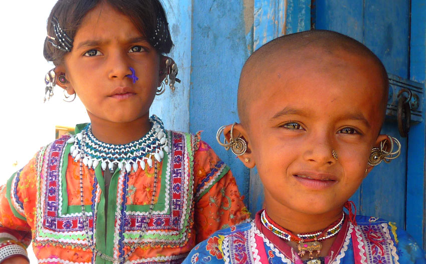 Kutchi kids in traditional dress